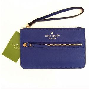 Kate Spade • Leather wristlet